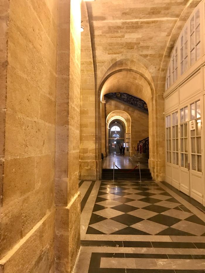 Palais de la Bourse inside